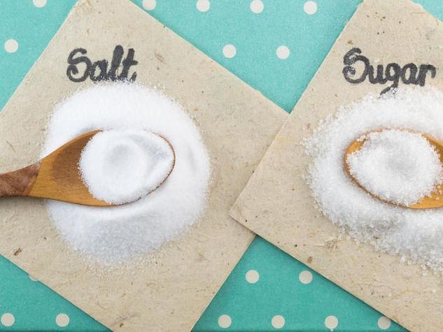 Làm kem tẩy tế bào chết chỉ với đường