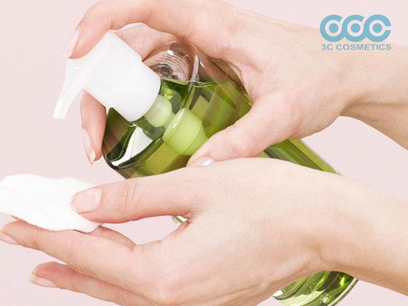 Học lỏm cách làm nước tẩy trang an toàn mà không tốn kém
