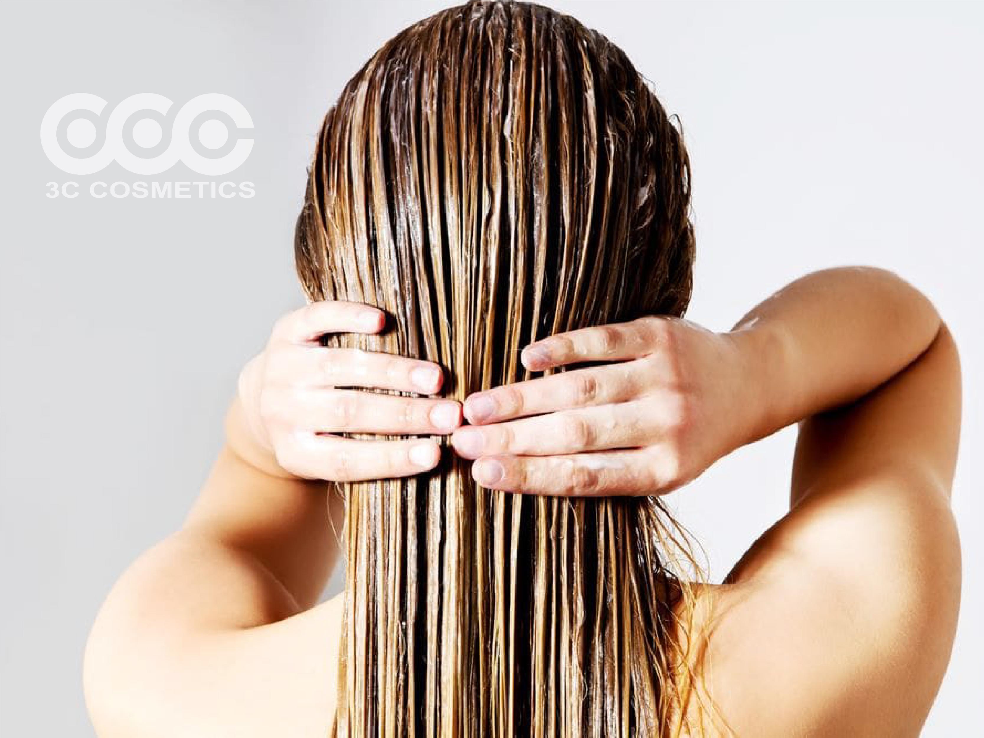 Dùng tình dầu bưởi như dầu xả tóc