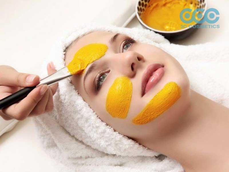 Mặt nạ trị thâm với tinh bột nghệ và mật ong